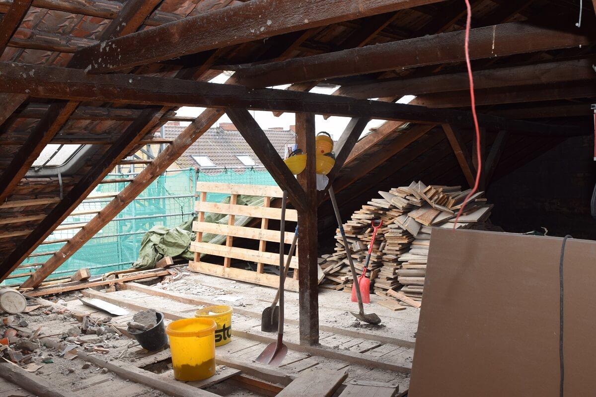 Das alte Dach während der Abrissphase